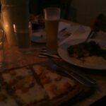 Pizza gorgonzola e coniglio cafe d'amore